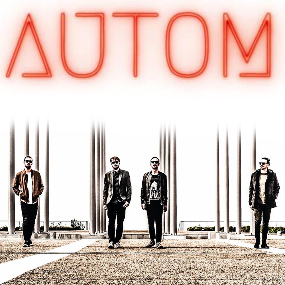 Οι Autom είναι ένα indie rock/post punk συγκρότημα από τη Θεσσαλονίκη. Σχηματίστηκε το 2018. Αποτελείται από τους Θοδωρή Αραμπατζή (μπάσο