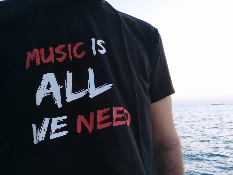Η μουσική είναι το μόνο που χρειαζόμαστε και τον Ιούλιο Radio Nowhere